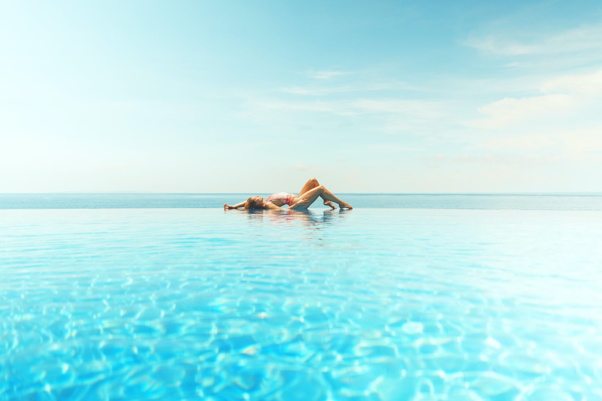 SUMMER IS HERE. AND SO IS COOLSCULPTING ELITE